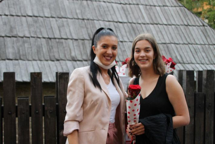 Eastern Mining donated roses to High School Graduates